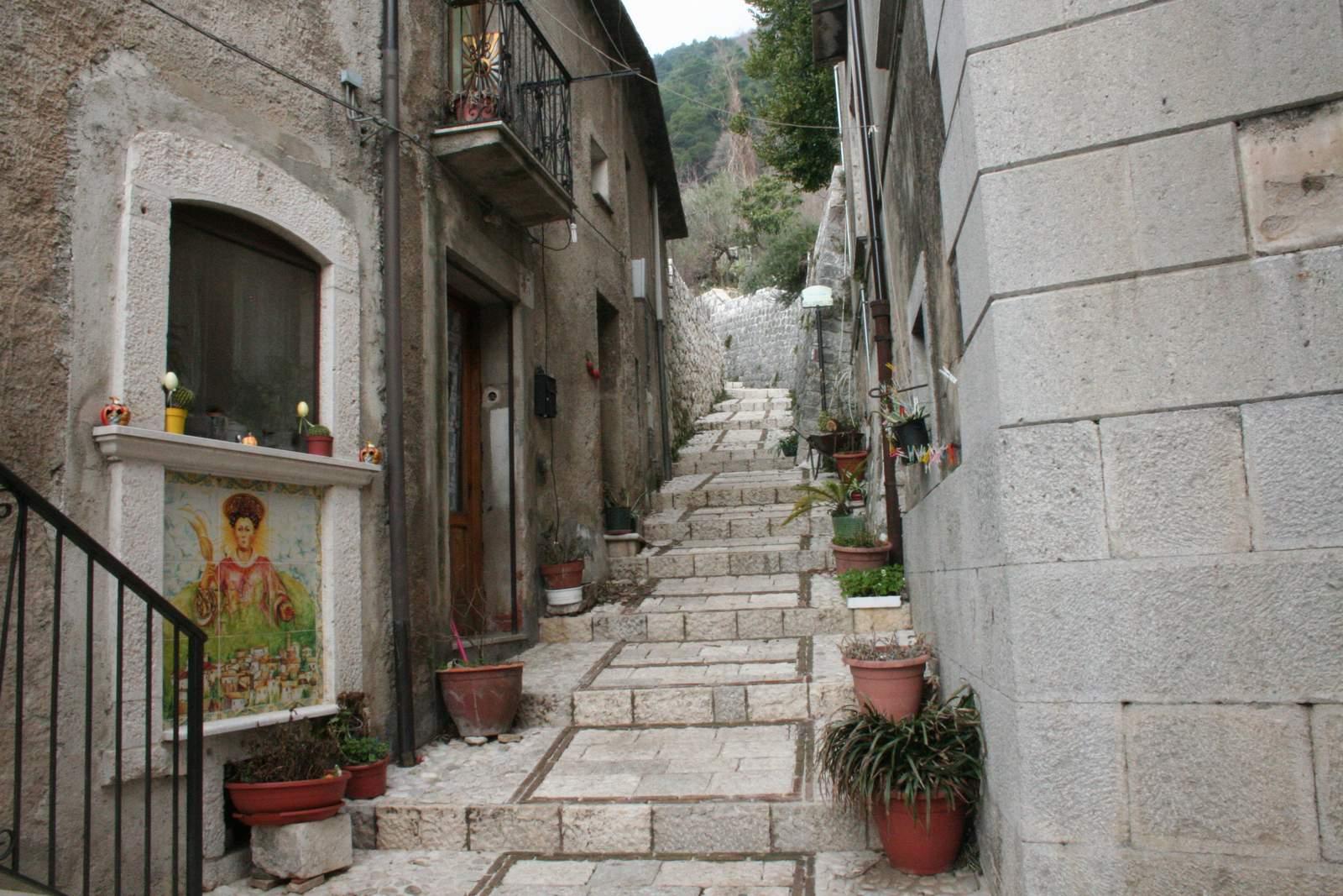 San lorenzello guida turistica del matese for San lorenzello