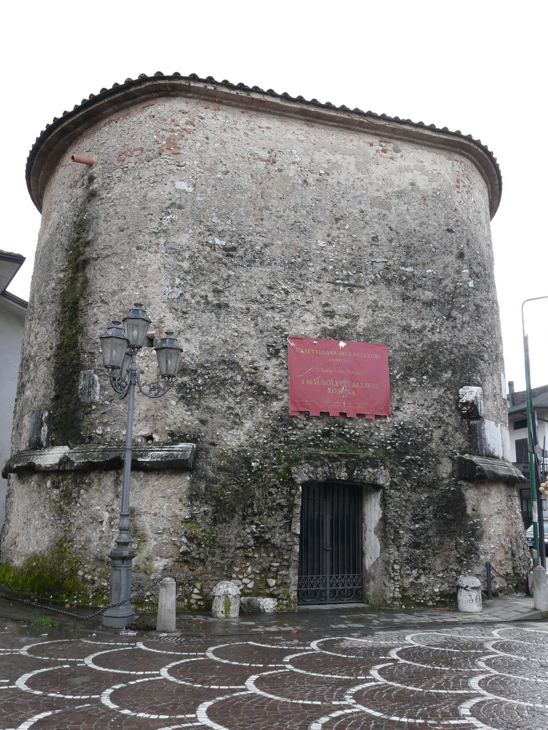 Il mausoleo di alife guida turistica del matese - Caruso porta romana ...
